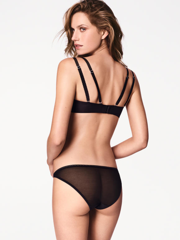 Carissima Leuven Wolford Lingerie Winter 2017 69754 7005 200 002 B X Ws