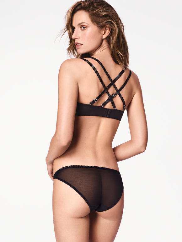 Carissima Leuven Wolford Lingerie Winter 2017 69754 7005 200 003 B X Ws